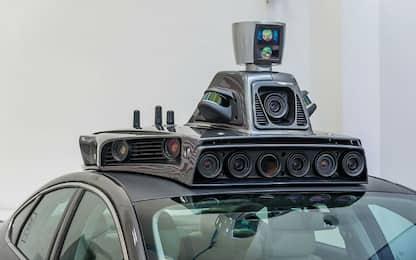 Cala la fiducia, crescono gli investimenti: a che punto è l'auto a guida autonoma