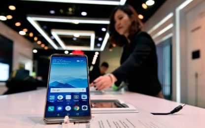 "Usa, le agenzie di intelligence: ""Non comprate smartphone cinesi"""