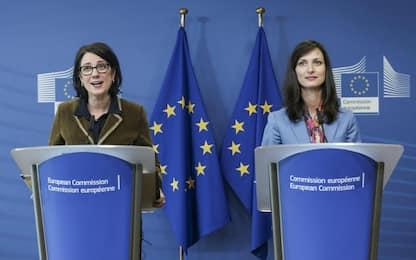 Disinformazione, Ue rinuncia a misure vincolanti per rischio censura