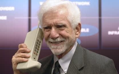 """Rivoluzione """"mobile"""", 45 anni fa la prima telefonata da un cellulare"""