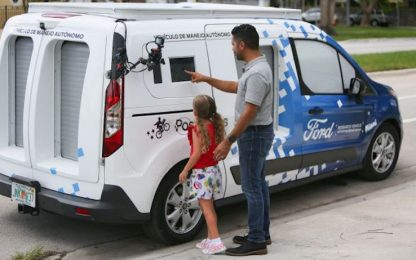 Ford testa le consegne a domicilio con furgoni a guida autonoma