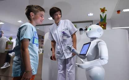 Creato un robot per le esercitazioni mediche che piange e sanguina