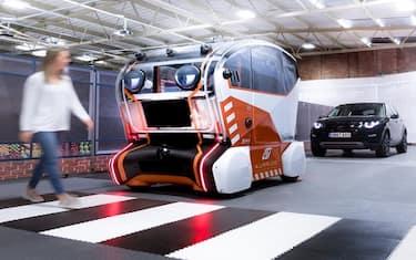 guida_autonoma_land_rover