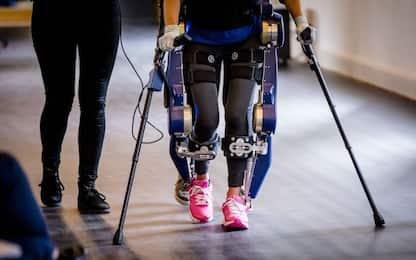 Create delle gambe robotiche in grado di imparare a camminare da sole