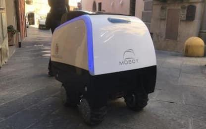 Debutta MoBot: il carrello robotico italiano che porta la spesa a casa