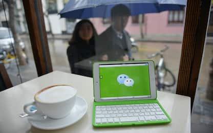 Cina, nascono chat per ricevere complimenti a pagamento da sconosciuti