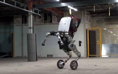 Boston Dynamics, ecco il nuovo robot magazziniere. Il video