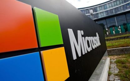 Microsoft, limitati alcuni servizi cloud e funzionalità sul web