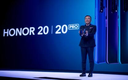 Ecco i nuovi Honor 20: quattro fotocamere e scocca in vetro olografico