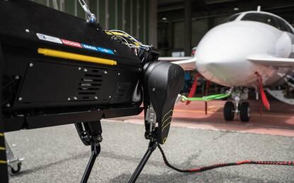 HyQReal, il robot in grado di trainare un aereo di tre tonnellate