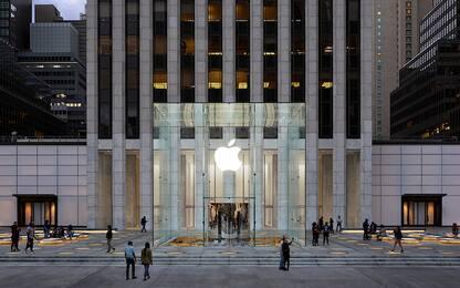 Coronavirus: Apple chiude cento negozi, 92 sono negli Stati Uniti