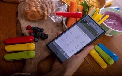 La molletta hi tech che avverte quando il cibo sta scadendo