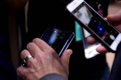 """Telefoni cellulari e tumori, Iss: """"Nessuna correlazione"""""""