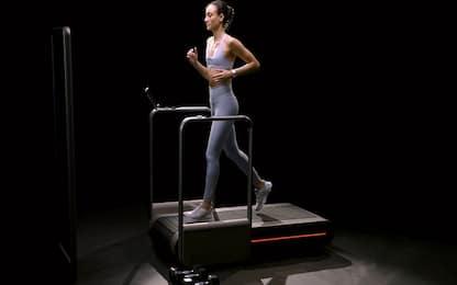 Amazfit HomeStudio, al CES 2020 il tapis roulant con schermo da 43''
