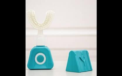 CES 2020, arriva lo spazzolone da denti Y-Brush. VIDEO