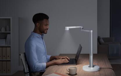 Dyson Lightcycle Morph, la lampada che si adatta all'età dell'utente
