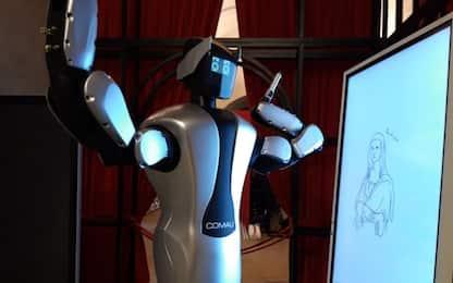 Arte e tecnologia, un robot capace di disegnare la Gioconda. VIDEO