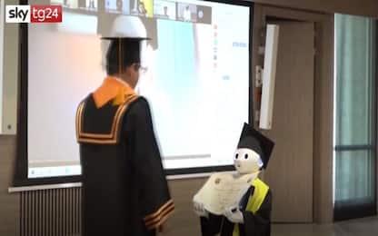 Colombia, in aula per la cerimonia di laurea ci sono i robot