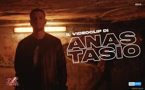 Il videoclip de La fine del mondo, l'inedito di Anastasio