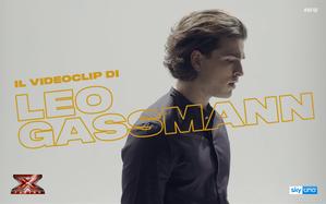 Il videoclip di Piume, l'inedito di Leo Gassmann