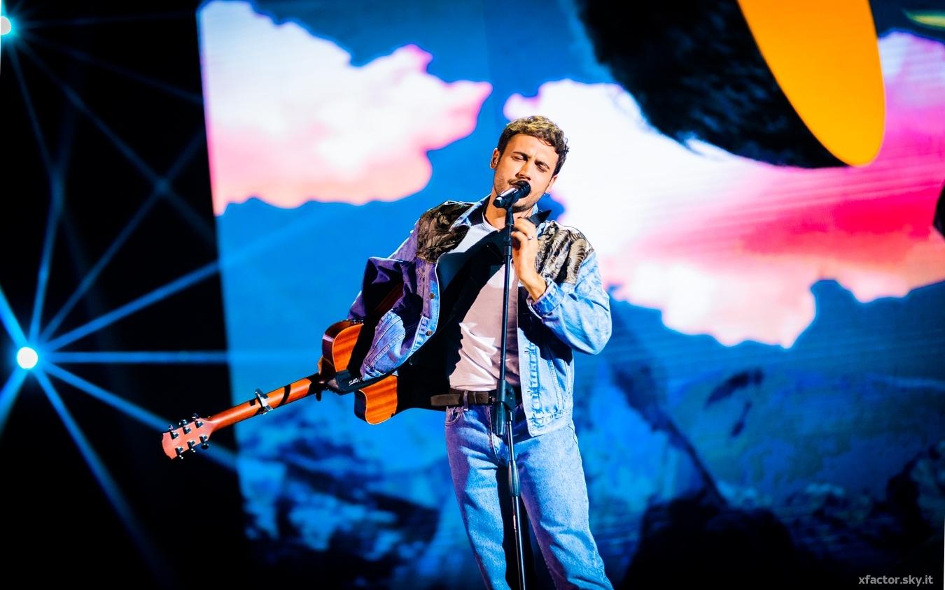 """Eugenio Campagna canta l'inedito """"Cornflakes"""" ai Live di X Factor VIDEO"""