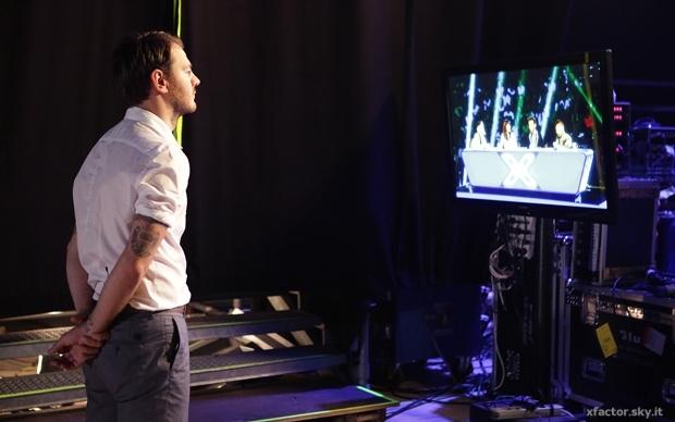 Alessandro tiene tutto sotto controllo dal backstage